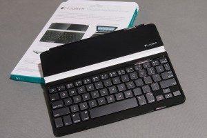 logitech-ultrathin-keyboard-cover-unpacking