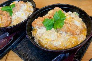 7-dondonya-deep-fried-hiroshima-oysters-with-egg-rice-bowl